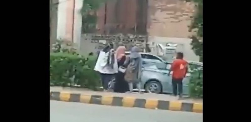 Man Who Sexually Harassed Women At Lahore Bus Stop Arrested After Video Goes Viral